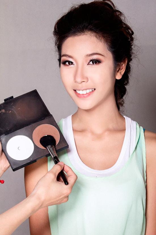 Tạo khối giúp khuôn mặt cân đối hơn