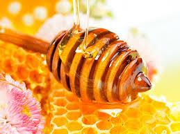 Gọt mặt bằng sữa chua  và mật ong