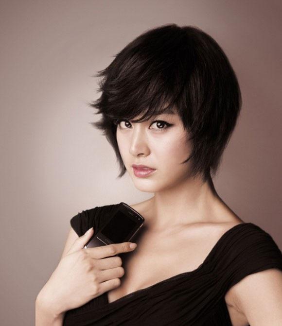 Kiểu tóc phù hợp với khuôn mặt tròn và to với tóc Pixie
