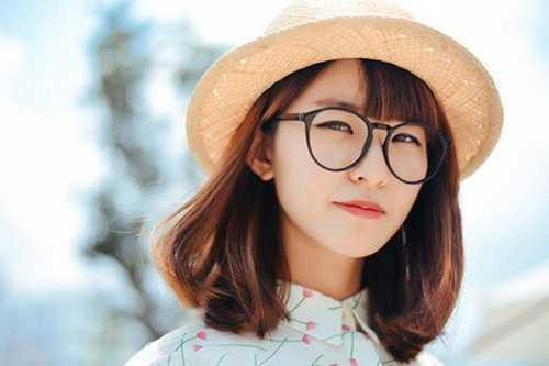 mặt dài đeo kính cận nào hợp